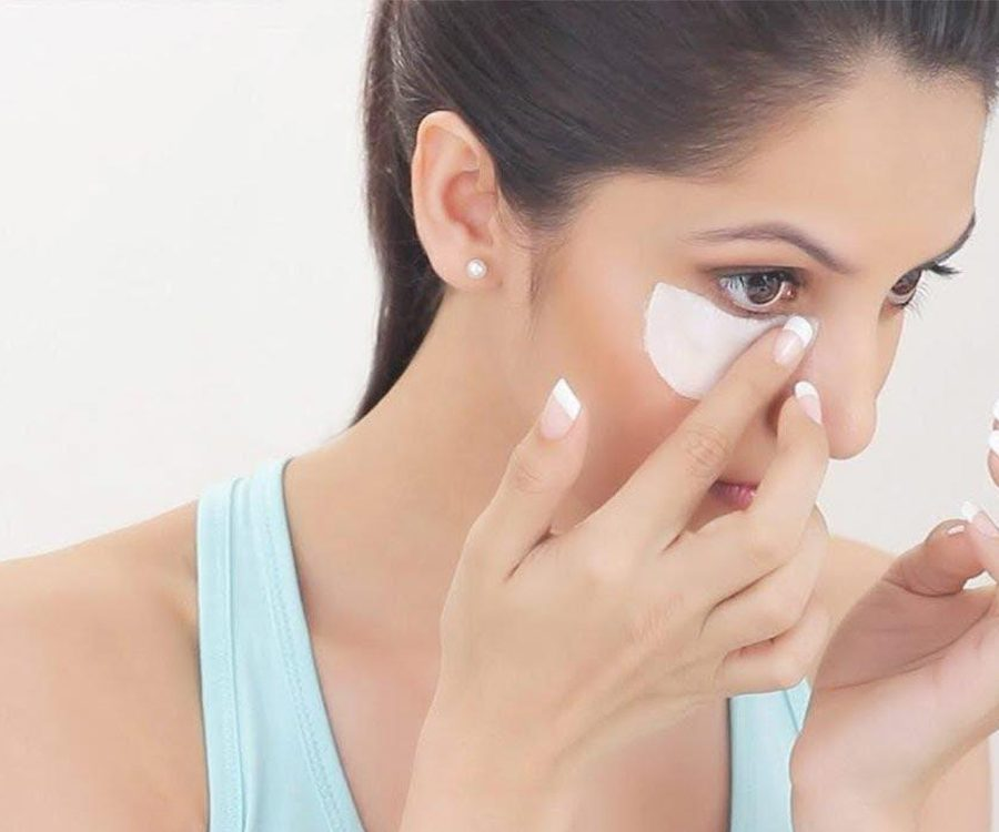 How To Remove Makeup While Brightening Your Skin