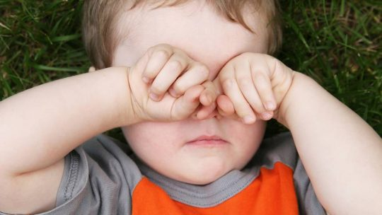 5 Signs Of Eye Problems In Children